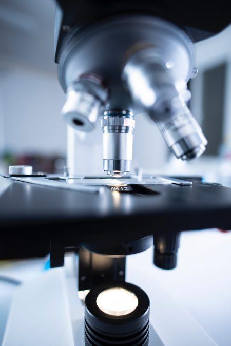 Leczenie kanałowe pod mikroskopem – na czym polega?