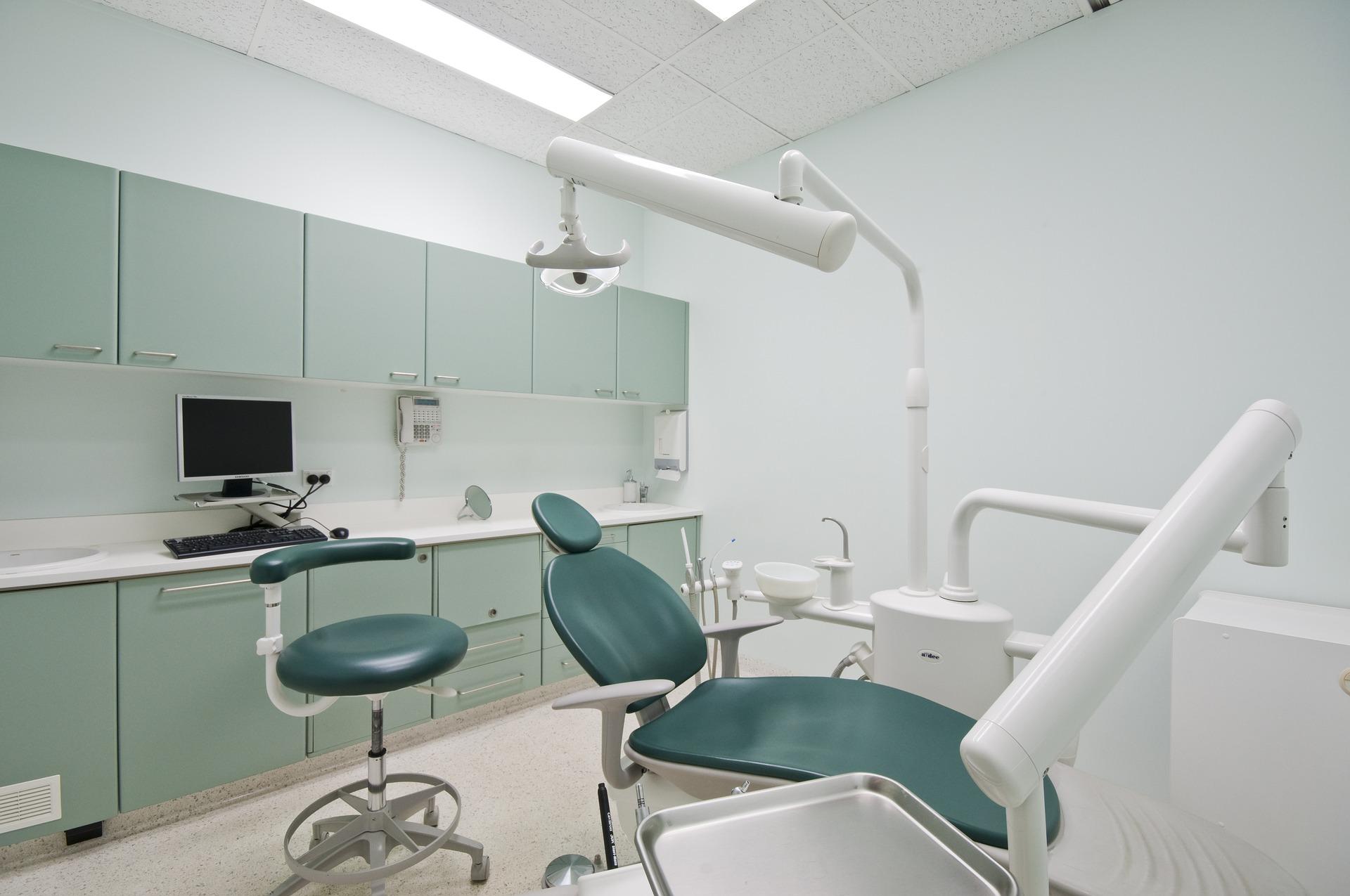 Czy zabiegi endodontyczne są bolesne?